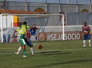 Fortaleza dominou o jogo, mas só conseguiu o gol nos acréscimos