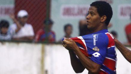 O jovem centroavante Vinícius fez um dos gols da vitória tricolor