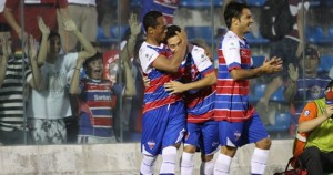 Guaru marcou três gols na goleada tricolor