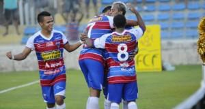 Marcelinho mais uma vez jogou bem e marcou de pênalti. Foto: O Povo Online