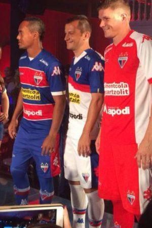Waldison, Correa e Ricardo apresentaram os novos uniformes