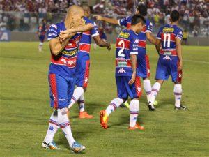 Fernandinho abriu o placar, mas o Leão dormiu no ponto. Foto: site oficial