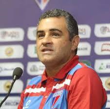 Marcelo Chamusca permanece no Leão em 2015