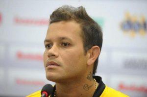 Meia Everton, ex-Cruzeiro, é o novo reforço do Leão