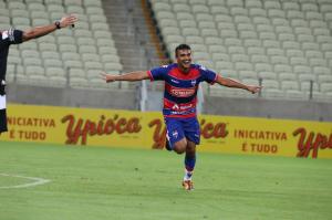 Zagueiro Max marcou seu primeiro gol pelo Leão. Foto: Kid Junior
