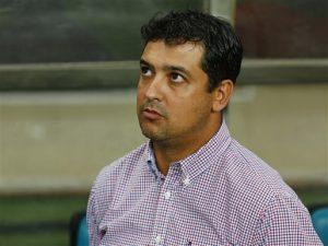 O novo comandante tricolor, Marquinhos Santos, assistiu a vitória no Junco