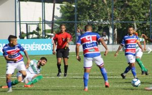 Lúcio Flávio marca de pênalti, mas Leão cede o empate. Foto: Eduardo Frota