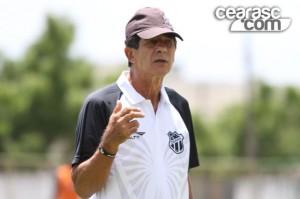 Enquanto o novo treinador não chega, Dimas assumirá o time (Foto: Cearasc.com/Divulgação)
