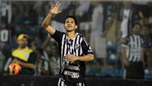 Magno Alves voltou a marcar gols (Foto: Igor de melo/O Povo)
