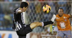 Magno Alves até penalti perdeu (Foto: Francisco Fontenele/ O Povo)