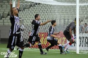 Magno Alves voltou a ser deciso em clássico (Foto: Cearasc.com/Divulgação)