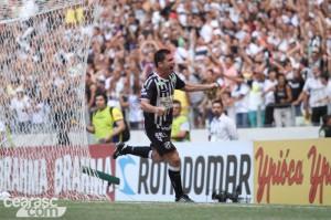Mota novamente foi decisivo marcando o gol do título (Foto: Cearasc.com/Divulgação)