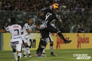 Rafael Vaz voltou a fazer gol e mostrou ser zagueiro artilheiro (Foto: Cearasc.com/Divulgação)