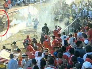 """""""Torcedores"""" promovem baderna em Goianinha (Foto: Reprodução internet)"""