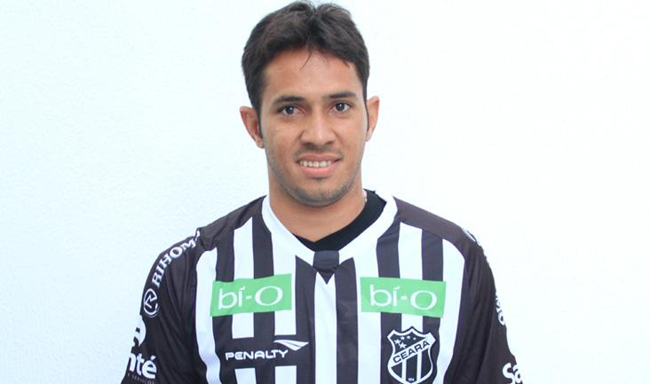 Assisinho é a primeira contratação do Vozão para 2014 (Foto: Cearasc.com/Divulgação)