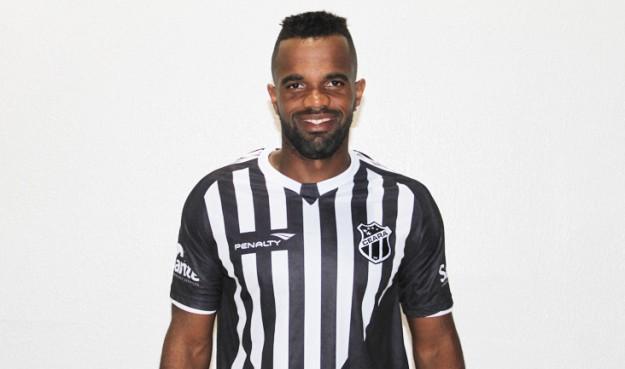 Tadeu é mais um atacante que chega para o Vozão (Foto: Cearasc.com/Divulgação)