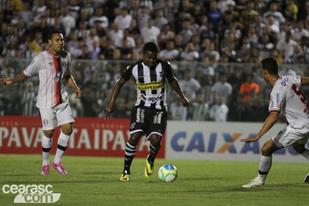 Assim como o time, Nikão até que foi bem, mas... (Foto: Cearasc.com/Divulgação)