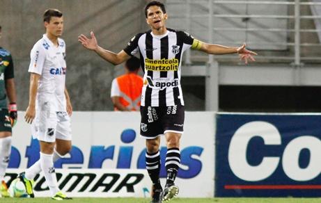 Magno Alves novamente passou em branco (Foto: Nuno Guimarães)