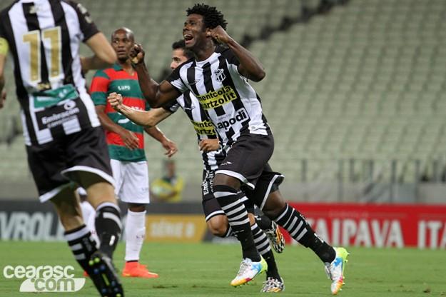 Sandro abriu o marcador e colaborou com a vitória (Foto: Cearasc.com/Divulgação)