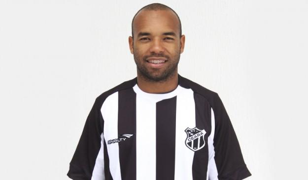 Tiago Costa foi o primeiro jogador contratado para 2015. (foto: Cearasc.com/Divulgação)