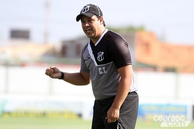 Dado Cavalcanti começa a esboçar o time titular (Foto: Cearasc.com/Divulgação)