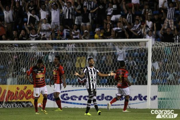 Marinho marcou um golaço, confirmando sua boa fase na temporada (Foto: Christian Aleckson/CearaSC.com)