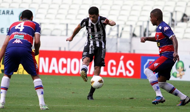 """Magno Alves fez o gol da """"descomplicação"""" (Foto: Christian Alekson/CearaSC.com)"""