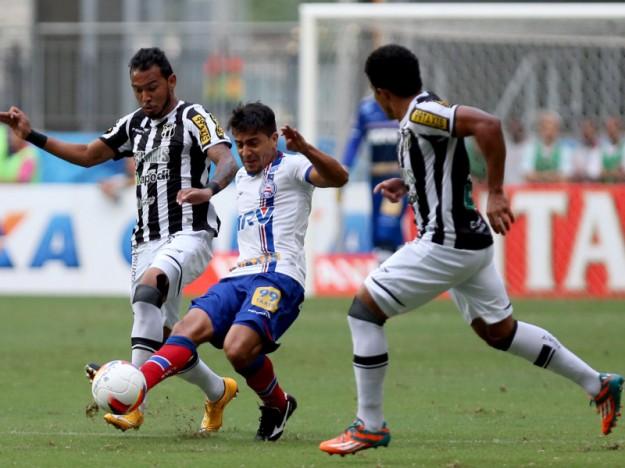 Vinicius e Ricardo Conceição foram discretos na partida (Foto: Felipe Oliveira/EC Bahia)