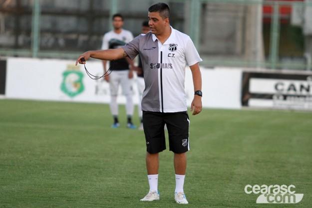Marcelo Cabo chegou e já arregaçou a as mangas (Foto: Christian Alekson/CearaSC.com)