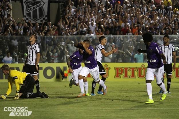 Após dois jogos fora, Rafael Costa voltou e deixou a sua marca (Foto: Christian Alekson/CearaSc.com)