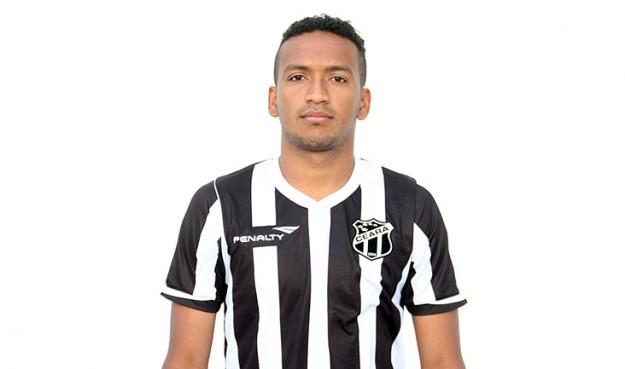 Jhonnatan é o primeiro contratado pra 2016. (Foto: Rafael Barros/CearaSC.com)