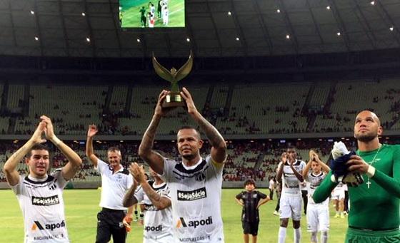 Em seu retorno Bill mostrou seu faro de gol e deixou a sua marca (Foto: Esporte Interativo)