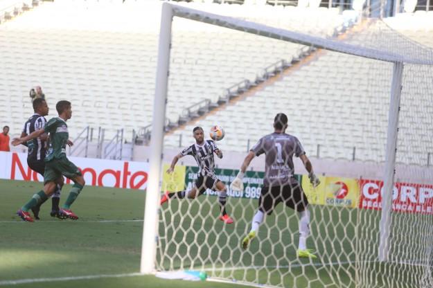 Serginho mostrou regularidade e Bill seu faro de gol (Foto: Christian Alekson/CearaSC.com)