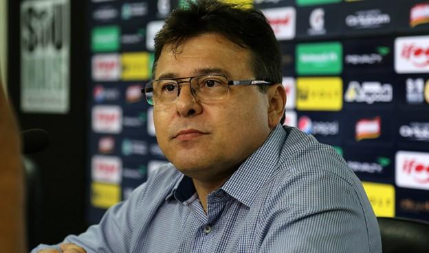Robinson de Castro por enquanto acumulará  função de Diretor de Futebol (Foto: Israel Simonton/CearaSC.com)