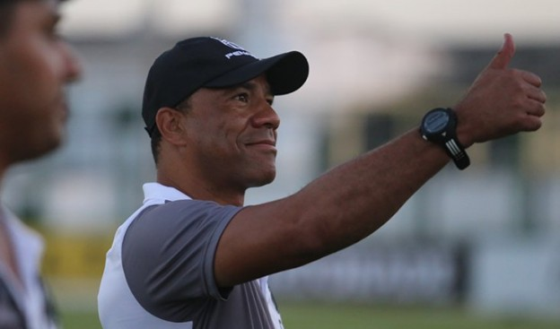 Com Sergio Soares é pra frente que se joga (Foto: Christian Alekson/CearaSC.com)