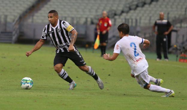 Pelo 3º jogo seguido Rafael Costa deixou sua marca (Foto: Christian Alekson/CearaSC.com)