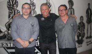 Haroldo Martins (1º vice-presidente), Humberto Aragão (Presidente) e Fernandes Sousa (2º vice-presidente)  (Foto: Israel Simonton/CearaSC.com)