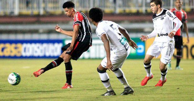 João Marcos deu consistência ao meio campo e Richardson foi o autor do gol de empate (Foto: Ascom JEC)
