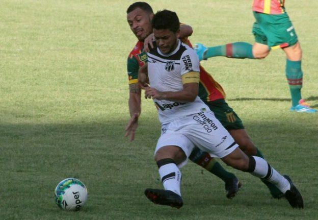 Felipe tem se destacado individualmente nas ultimas partidas (Foto: Biaman Prado)