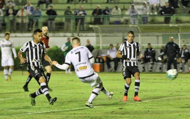 Faltou postura de time que briga por acesso (Foto: Felipe Couri/Ascom Tupi FC)