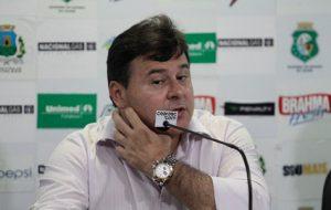 Gestão de Robinson de Castro na parte do futebol tem sido só de decepções (Foto: Fábio Lima)