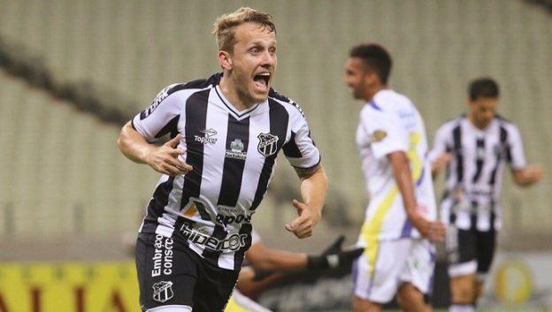 Alex Amado voltou a marcar gol e ajudou na vitória do Vozão (Foto: Christian Alekson/CearaSC.com)