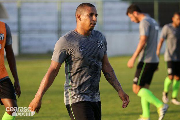 Rafael Costa passará por cirurgia e deverá perder o restante da temporada (Foto: CearaSC.com/Divulgação)