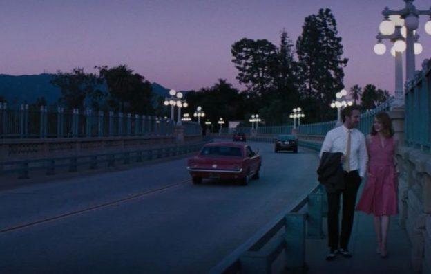 Ruas e morros de Los Angeles são quase personagens do longa
