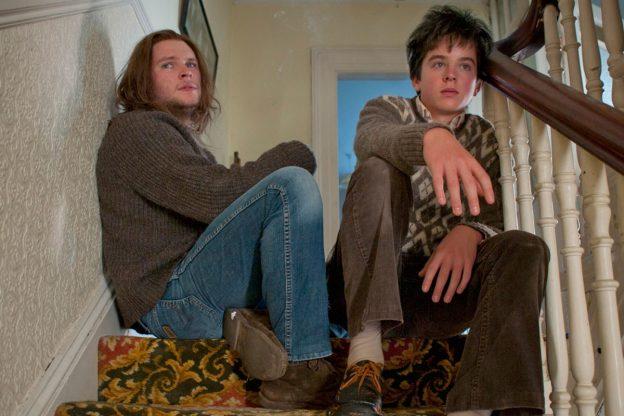 O background familiar, em especial Conor e Brendan, é um dos acertos do filme