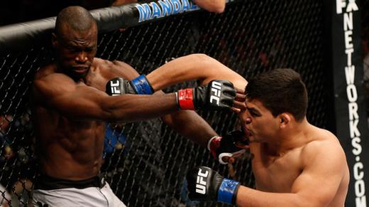 Gastelum surpreendeu e foi muito mais agressivo na luta. Foto: UFC/Divulgação