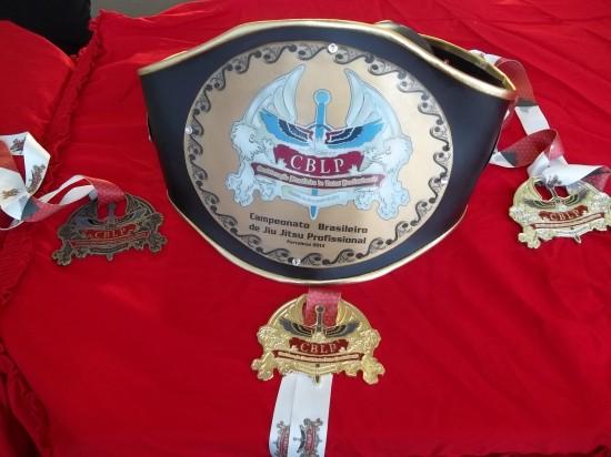 Cinturão e medalhas serão entregues para os campeões neste domingo (05)