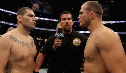 Placar empatado até agora: cada um tem uma vitória. Foto: UFC/Divulgação