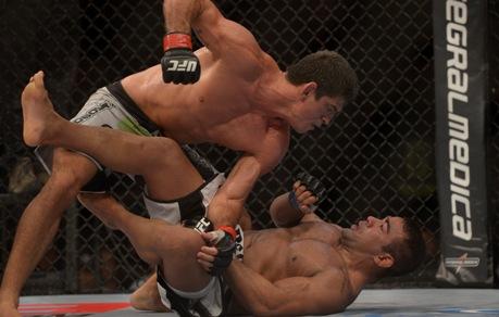 Paulo Tiago se reabilitou e venceu o duelo de policiais. Foto: UFC/Divulgação