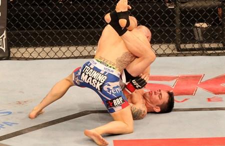Rony Jason foi responsável por uma das oito finalizações. Foto: UFC/Divulgação